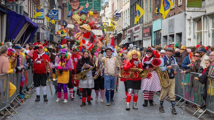Carnaval vieren met je vriendengroep doe je zo